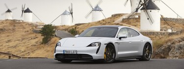 We tested the Porsche Taycan: the electric car with up to 761 hp with racing technology that wants to sweep Tesla
