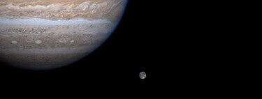 Oceans beyond Earth: large bodies of water for which we have evidence in the Solar System